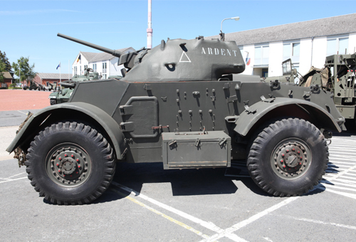vehicles-Armoured-(tactical-vehicle)